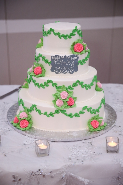Wedding Cake from Konditor Meister, 4 flavors. Cake tasting guide & review